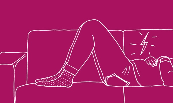 Illustration of a female lying down on a sofa with stomach cramps - Libresse