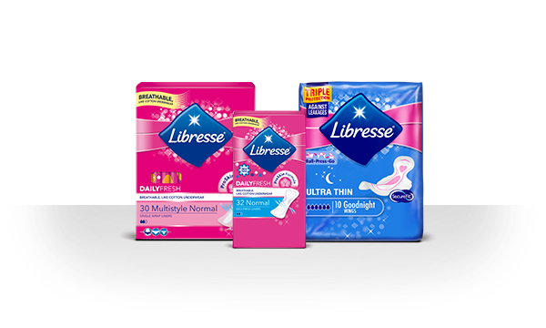 Három Libresse termék, amelyek árnyéka az áttetsző háttérre hullik – Libresse