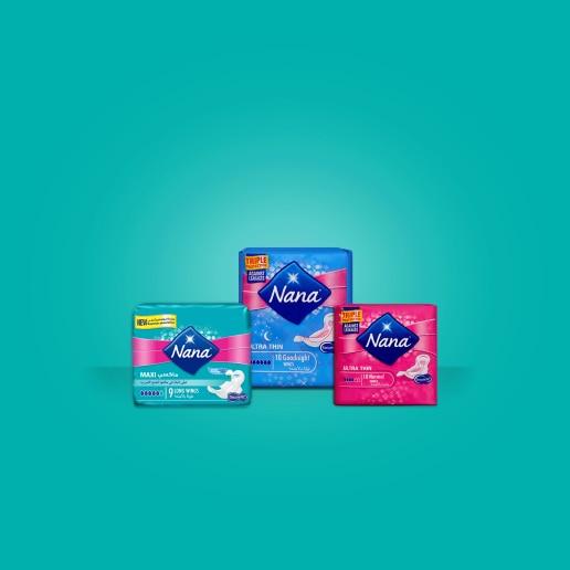 ثلاثة من منتجات العناية أثناء الدورة الشهرية على خلفية فيروزية - نانا